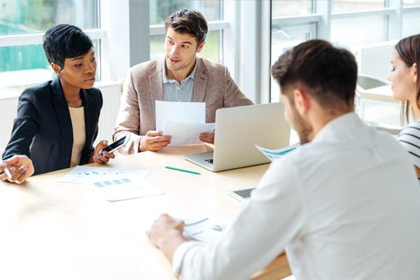 business-career-college-headline-text-Insurance-specialist